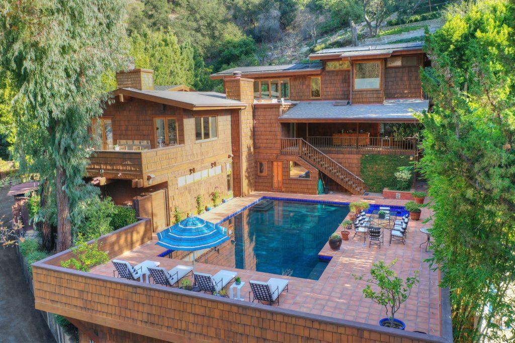 Emma Chamberlain Beverly Hills house